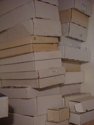 Huge Lot of 3000 Baseball Cards 80's 90's 2000's Topps Sc...