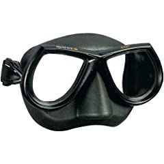 The Mares Star mask is a free diving mask with a low internal volume and a huge field of vision because the lenses are closer to your eyes. Soft Silicone skirt molds to your face to prevent leaks and the shape of the lenses gives you a natura...