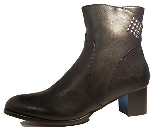 Botas de invierno, zapatos de mujer, modello 1307400112002133, negro y marrón, diferentes modelos y tamaños. Negro modelo C.