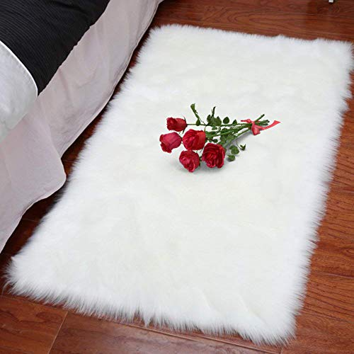 XingMart 2ft x 3ft Sheepskin Area Rugs Faux Fur Rugs for Bedroom Plush Soft Fuzzy Carpets Bedside Rug for Girls Room Home Decor, White
