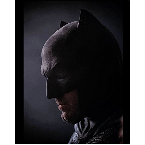 Right Cowl - Batman V Superman: Dawn of Justice (2016) (8 inch by 10 inch) PHOTOGRAPH Ben Affleck Head Shot in Cowl Facing Right Pose 2 kn