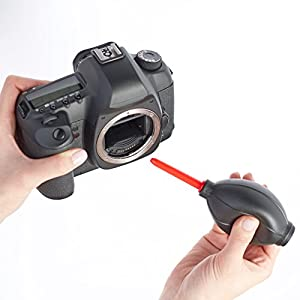AmazonBasics Cleaning Kit for DSLR Cameras and Sensitive Electronics by AmazonBasics