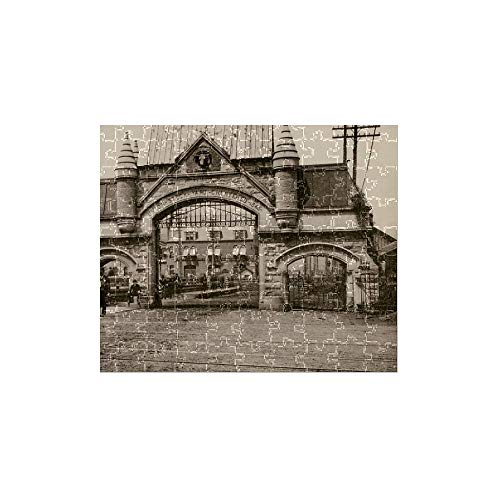 (Media Storehouse 252 Piece Puzzle of Union Stockyards Entrance, Chicago, 1890s (5886915))