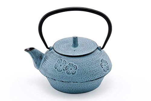 Hinomaru Collection Artisan Workshop Blue Umei Plum Blossom Japanese Tetsubin Tea Kettle Cast Iron Teapot with Stainless Steel Infuser 40 oz