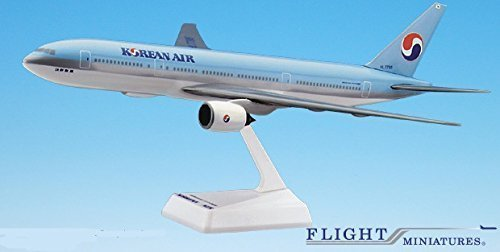 Korean Air (84-Cur) 777-200 Airplane Miniature Model Snap Fit 1:200 Part#ABO-77720H-011 (Korean Model compare prices)