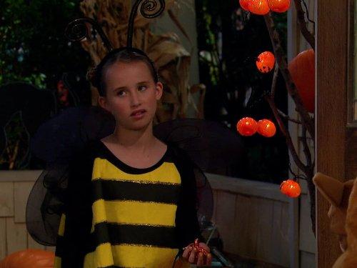 Le Halloween (Good Luck Charlie Halloween Episodes)