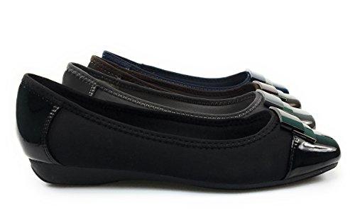 Pierre Dumas Womens Slip-on En Cuir Synthétique Ballerines Plates Escarpins  Avec Médaillon Métallique Laurel. chaussures ...