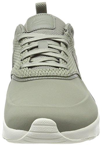 Nike Damen Air Max Thea Premium Leather Sneaker Grün (Metallic Platinum/Pure Platinum)