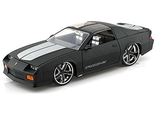 new-124-display-big-time-muscle-matte-black-1985-chevrolet-camaro-diecast-model-car-by-jada-toys