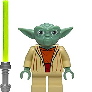 LEGO Star Wars: Maestro Yoda Minifigura Con Verde Sable De Luz