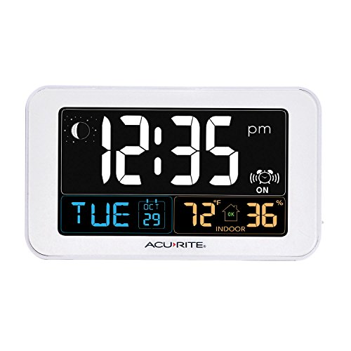 AcuRite 13040 Intelli-Time Alarm Clock with USB Charger, Indoor Temperature and Humidity