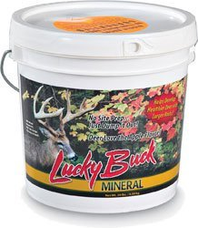 Lucky Buck -PoundM20 Apple Flavored Deer Mineral and Attractant, 20-Pound Bucket (Best Deer Mineral Attractant)