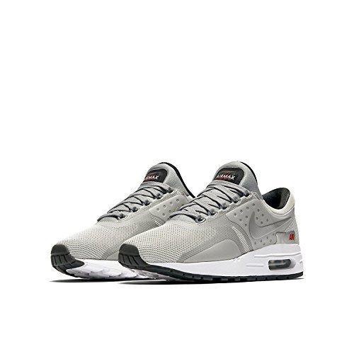 Nike Boys Air Max Zero Quick Strike (GS) Metallic Silver/University Red/Black/Metallic Silver 921074-001 (4Y) by NIKE