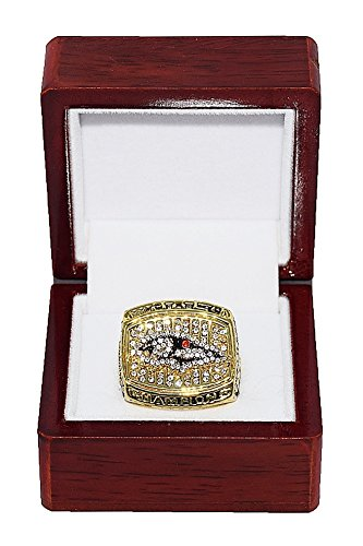 Baltimore Ravens 2000 Super Bowl (BALTIMORE RAVENS (Ray Lewis) 2000 SUPER BOWL XXXV WORLD CHAMPIONS Vintage Rare & Collectible High-Quality Replica NFL Football Gold Championship Ring with Cherrywood Display Box)