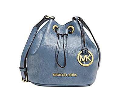 a420fdcfac4f Image Unavailable. Image not available for. Color: MICHAEL Michael Kors  Jules Drawstring Crossbody ...
