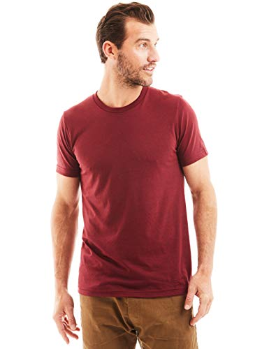 Man wearing a cotton blend T-Shirt