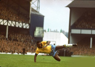 Photo Soccer star Pele in action during World Cup competition.