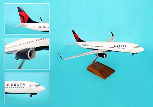 Daron Skymarks Delta 737-800 Model Kit with Gear and Wood...
