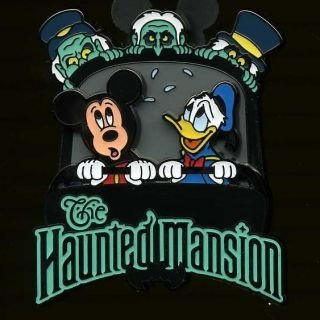 (Disney Haunted Mansion - Mickey and Donald with the Hitchhiking Ghosts Pin)