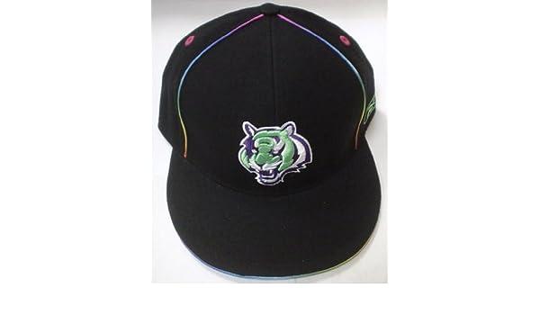 Amazon.com   Cincinnati Bengals Kaleidoscope Fitted Reebok Hat Size 7 1 8    Sports Fan Baseball Caps   Sports   Outdoors 9d9ed038bbac