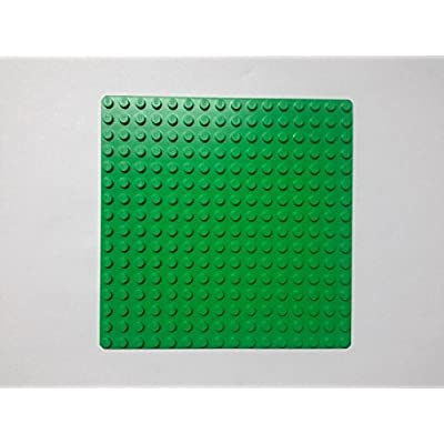 LEGO ~Deep Green Plate ~ 16 dots x 16 dots ~ Baseplate ~ Foundation ~ Grass: Toys & Games