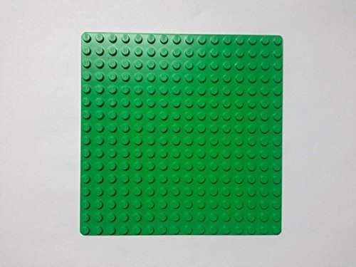 Lego ~Deep Green Plate ~ 16 dots x 16 dots ~ Baseplate ~ Foundation ~ Grass