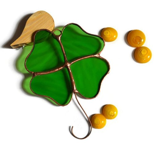 (Stained Glass Lucky Shamrock Ornament)