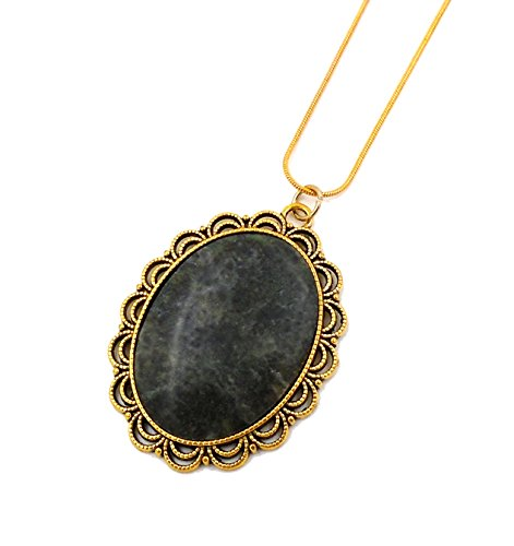 Shamrock Scalloped - Irish Connemara Marble: Oval Scalloped Medallion Necklace…