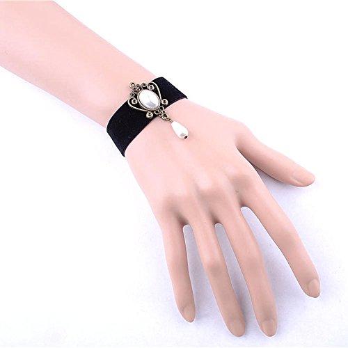 [black floral lace bracelet - white beads pendant Court style charm bracelet - gothic vintage beaded bridal] (Bride Of Dracula Costumes)