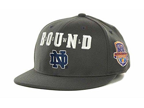 adidas Notre Dame Fighting Irish NCAA Stretch One Size Structured Flat Bill Cap Hat BCS Bowl Bound ()