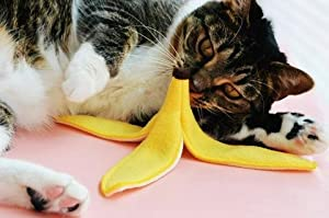 durable modeling Slippery Banana Peel Catnip Cat Toy