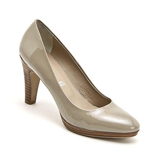 ALESYA by Scarpe&Scarpe - Zapatos de salón de charol con plataforma Beige