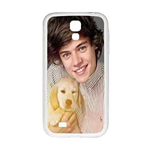 Harry Styles Holding The Puppy Design Plastic Case Cover For Samsung Galaxy S4