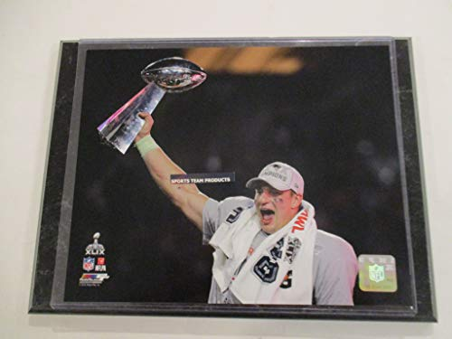 (ROB GRONKOWSKI OF THE NEW ENGLAND PATRIOTS 2015 PHOTO FILE *CELEBRATES SUPER BOWL 49 CHAMPIONSHIP TROPHY PHOTO* MOUNTED ON A 9