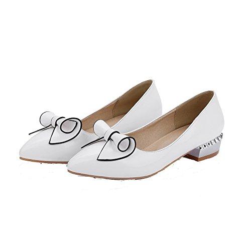 AllhqFashion Damen Ziehen auf PU Leder Spitz Zehe Niedriger Absatz Rein Pumps Schuhe Weiß