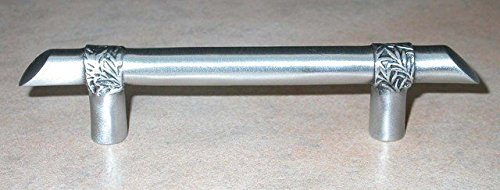 DArtefax DHP66-BRS Modern Form Bar with leaf Motif Pull44; Antique Brass