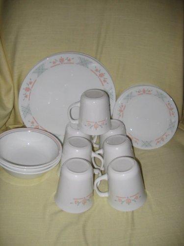 "Vintage Corning Corelle "" Dutch Lattice "" Pattern - 20 Piece ~ 4 Dinner Plates, 6 Bread Plates, 7 Cups & 3 Bowls"