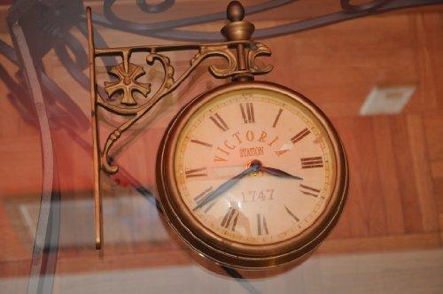 VICTORIA STATION CLOCK -