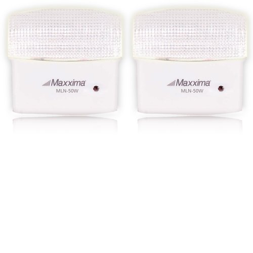 Maxxima MLN-50 5 LED Warm White Night Light With Dusk to Daw