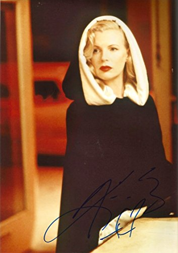 Kim Basinger ACTRESS ACADEMY AWARD MODEL SINGER autograph, In-Person signed photo from Markus Brandes Autographs