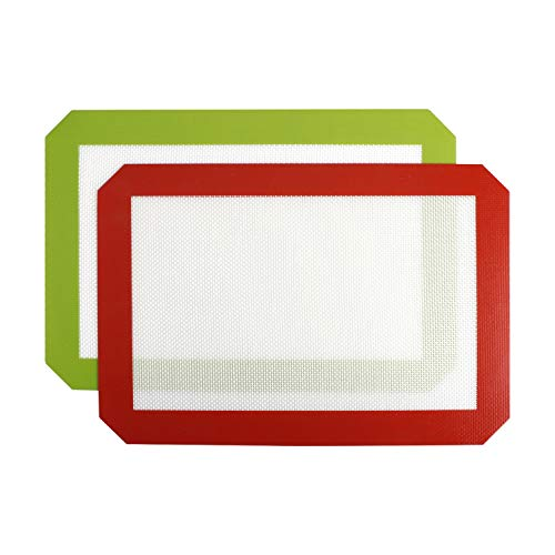 Beracky Silicone Baking Mat Half Sheet Liner for Bake Pans & Rolling,Professional FDA Approved Cooking Mat-Macaron/Pastry/Cookie/Bun/Bread Making|Non-Stick,Heat-Resistant,Non-Slip|2-Pack(Green&Red))