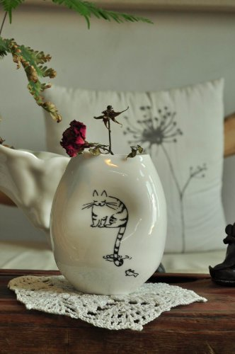 Top Collection Porcelain Vase - Cat Fishing Artwork, 5 Inches - Vase Collection Porcelain