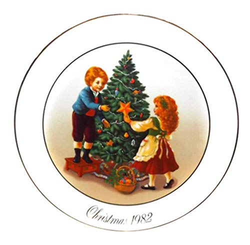 Vintage 1982 Avon Christmas Memories Porcelain Collector Plate in Original Box