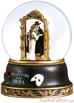 San Francisco Music Box Company Phantom of the Opera Phantom & Christine Mirror Scene Waterglobe