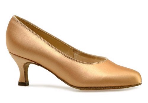 211 Vienna Ladies' Court Shoe a 2