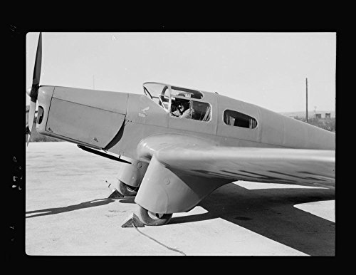 1934 Photo Lydda Airport. Major Gumbly, with his private flying machine, closeup Location: Israel, - Airport Uk Locations