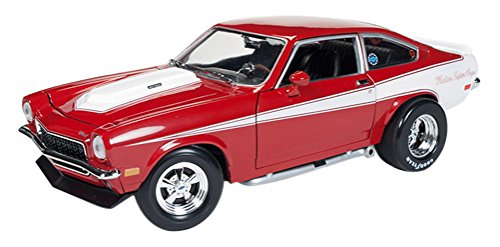 auto world 1/18 Chevrolet Vega 1971 Cranberry Red Kyosho AMM1022