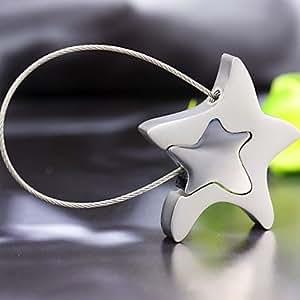 Llavero de metal de plata en forma de estrella con la cuerda