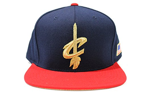 [Mitchell & Ness Men's Cleveland Cavaliers USA Flag Fitted Hat (7 3/8)] (Cleveland Costumes)
