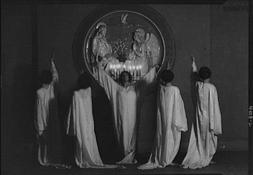 Fatal Frame V Costumes (Photo: Guthrie dancers,St Mark's Church,performers,costumes,women,Arnold Genthe,1924)